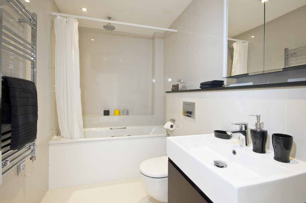Three Bedroom Penthouse Apartment - Bathroom