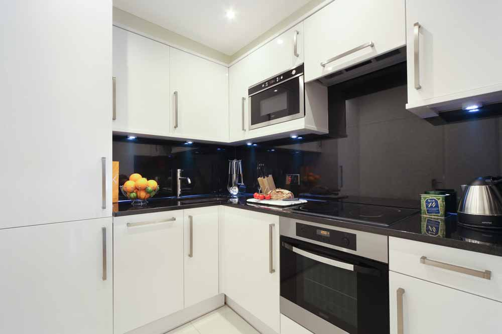 One Bedroom Deluxe Apartment - Kitchen