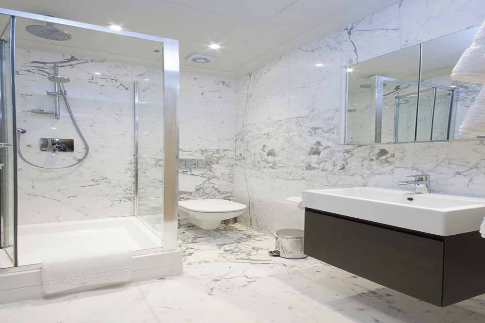 Three Bedroom Knightsbridge Penthouse Suite - Bathroom