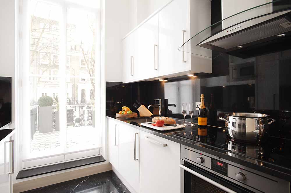Three Bedroom Knightsbridge Penthouse Suite - Kitchen