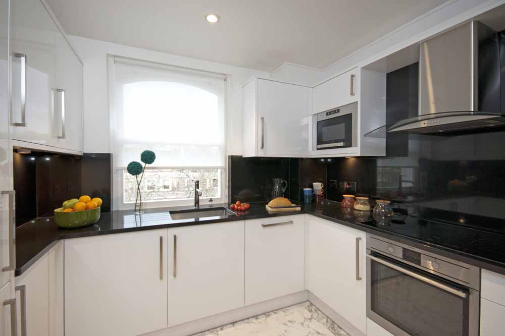 Three Bedroom Beaufort Penthouse Suite - Kitchen