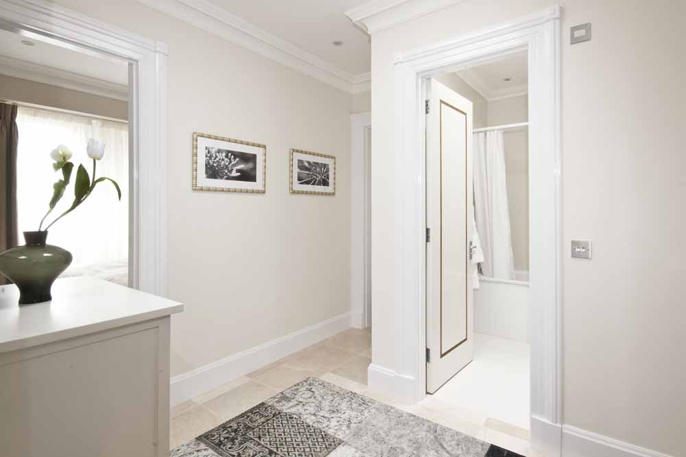 Hyde Park Suite Four Bedroom Apartment - Between Bedrooms