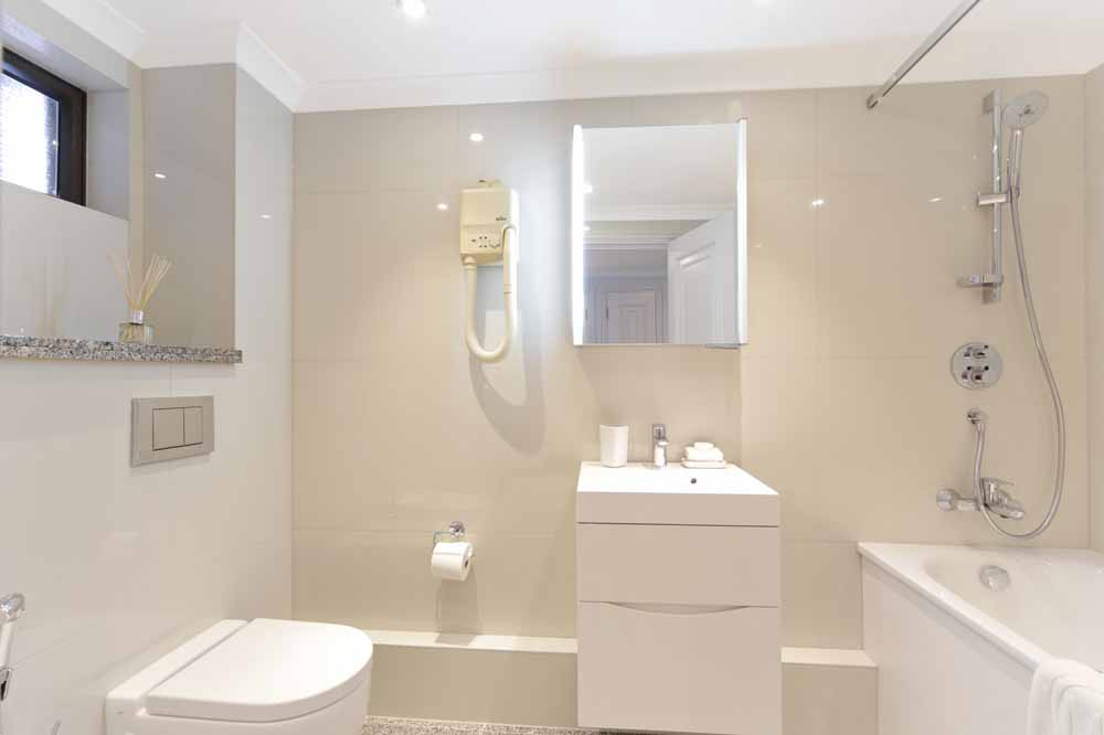 One Bedroom Deluxe Apartment - Bathroom