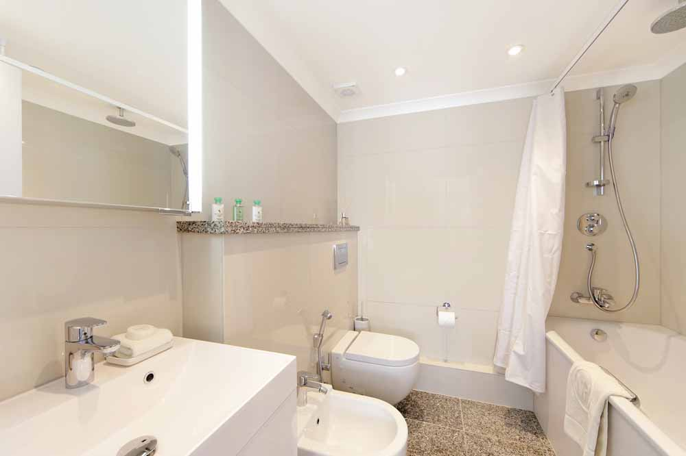 Three Bedroom Mayfair Suite - Bathroom