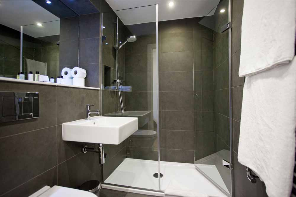 Premium One Bedroom Apartment - Bathroom