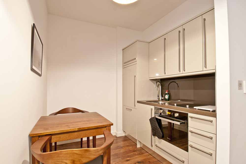 Classic Studio Apartment - Kitchen and Dining Area