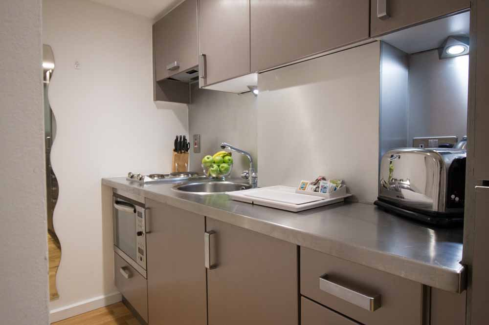 ludgate square apartments st pauls check in london. Black Bedroom Furniture Sets. Home Design Ideas