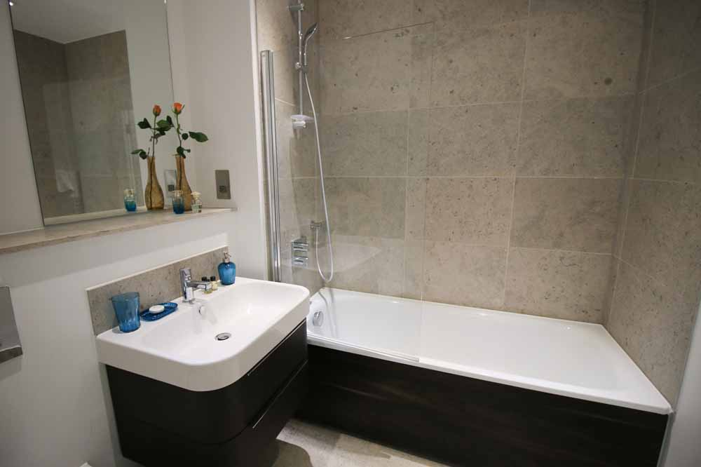 Executive One Bedroom Apartment - Bathroom