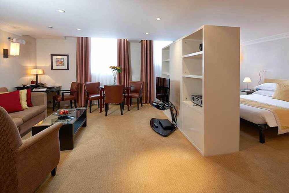 Luxury Open Plan One Bedroom Apartment - Living Room and Bedrrom