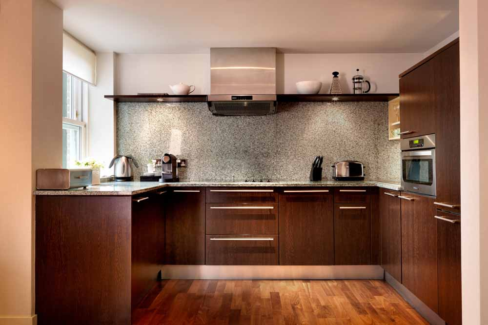 Luxury One Bedroom Apartment - Kitchen
