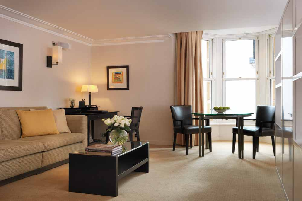 Cheval phoenix house apartments knightsbridge Small dining rooms london