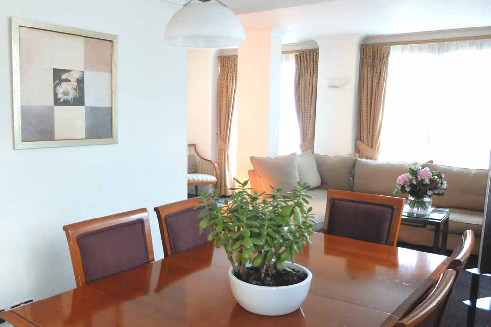Three Bedroom Three Bathroom Penthouse Apartment - Dining Area