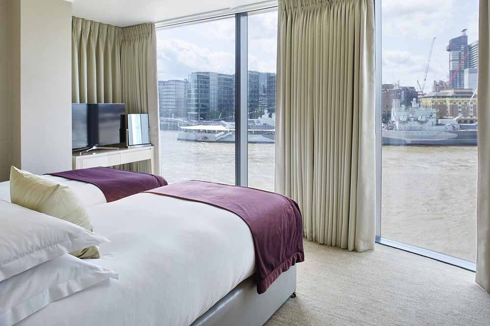 Luxury Two Bedroom Apartment with Shard View - Twin Bedroom