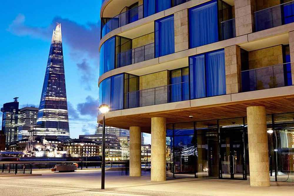 Cheval Three Quays Apartments - Exterior and Shard