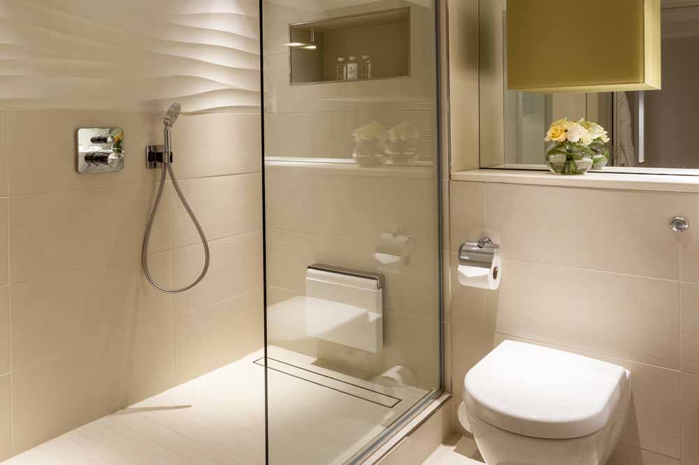 Luxury One Bedroom Apartment with Tower View - Bathroom