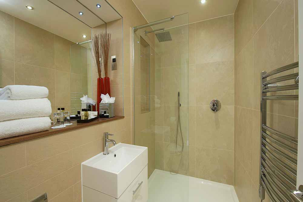 Premier One Bedroom Apartment - Bathroom
