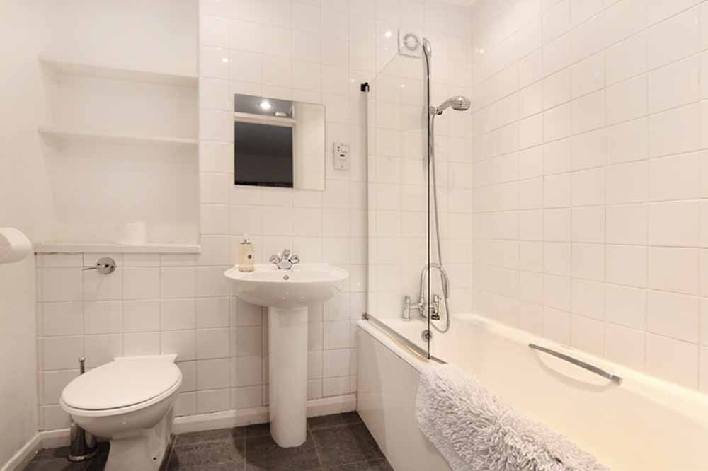 Three Bedroom Apartment - Bathroom