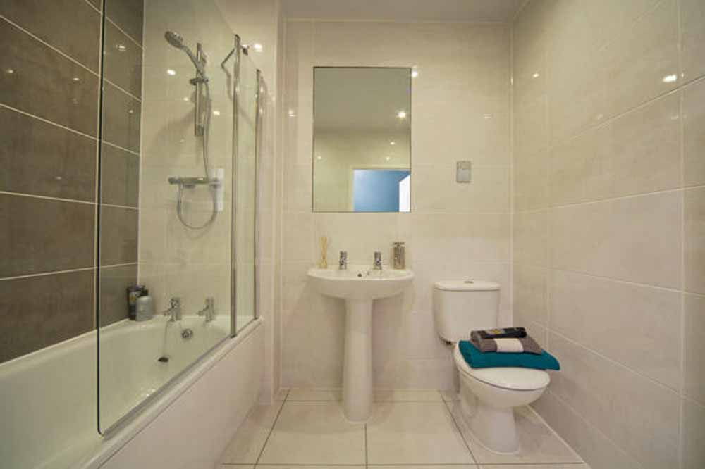 Garden City Apartments - Bathroom