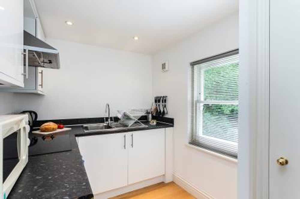 Longridge Road Apartments - Kitchen