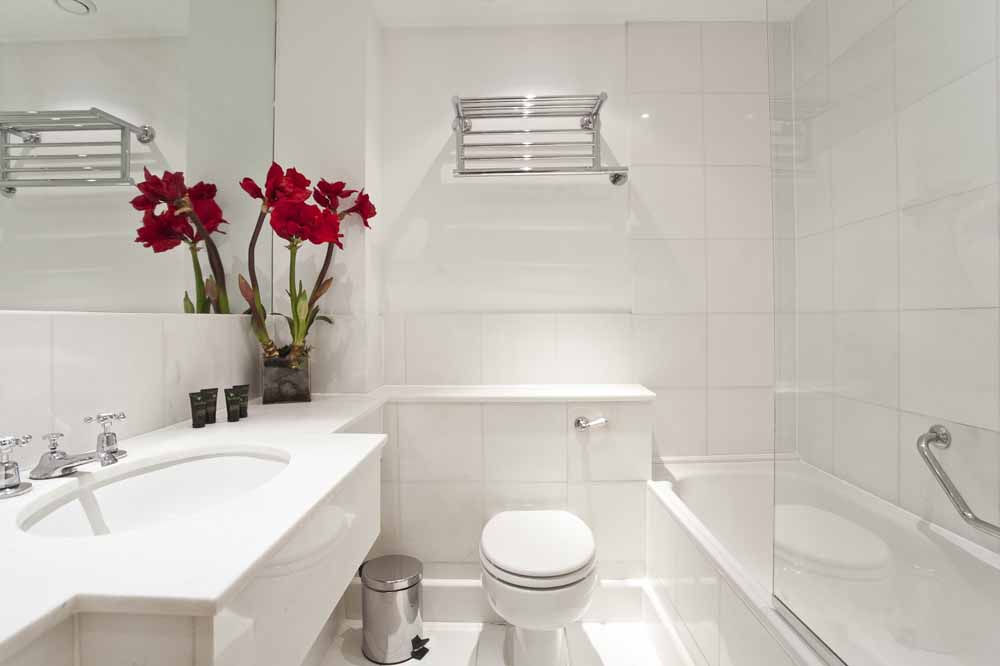Marsham Street Apartments - Bathroom