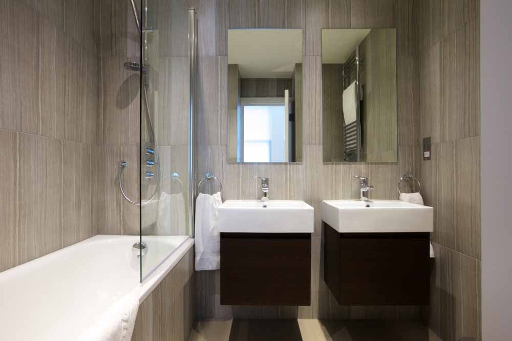 West Kensington Apartments - Bathroom