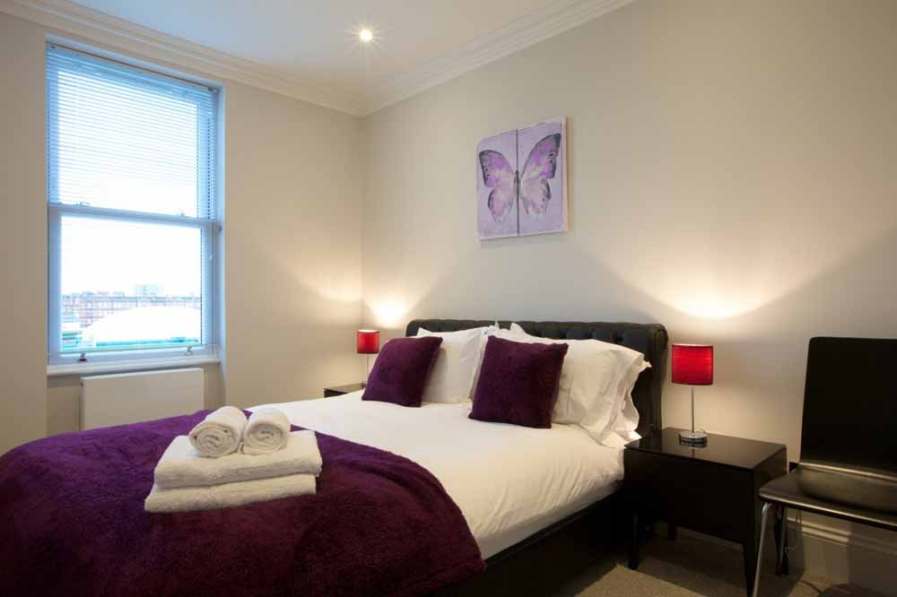 West Brompton Apartments - Bedroom