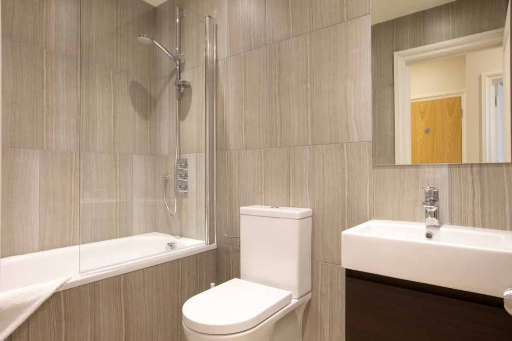 West Brompton Apartments - Bathroom