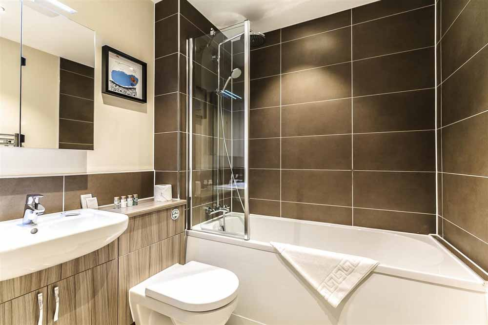 Gayton Road Apartments - Bathroom