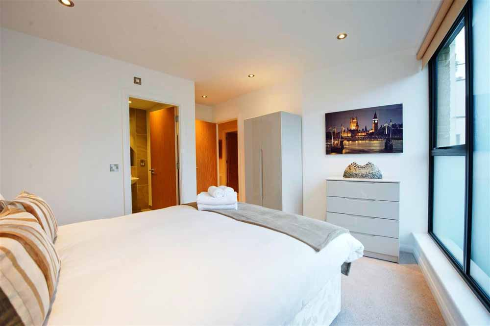 Tooley Street Apartments - Bedroom