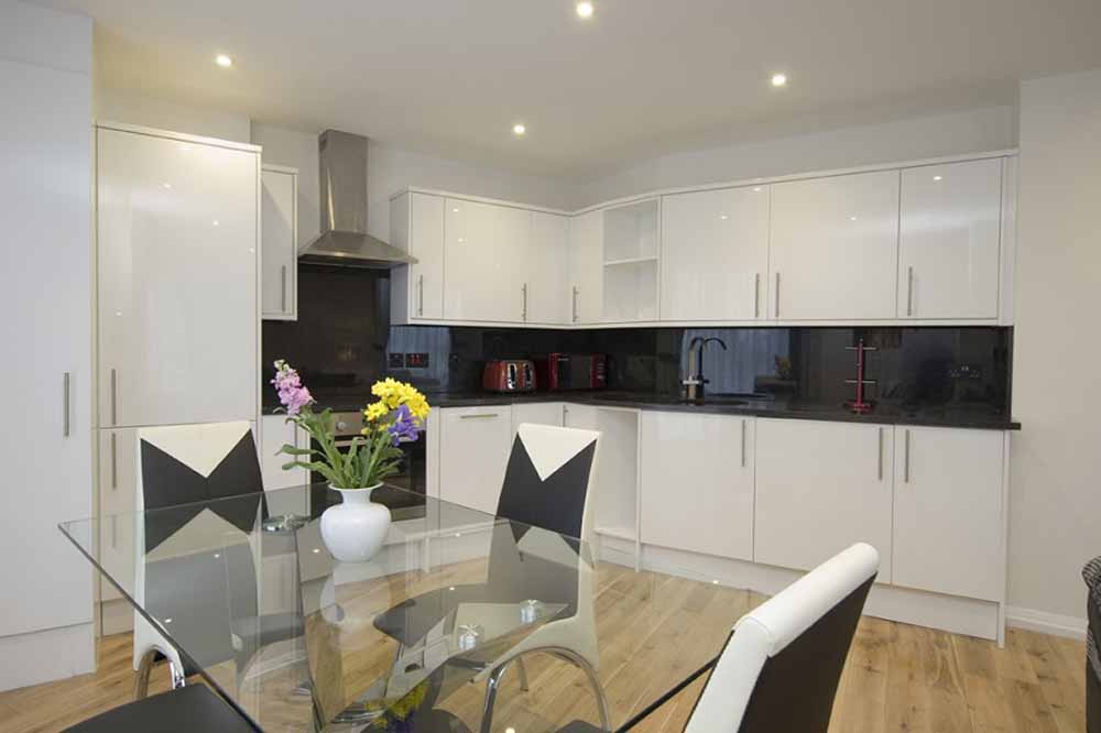 Deluxe Two Bedroom Apartment - Kitchen and Dining Area