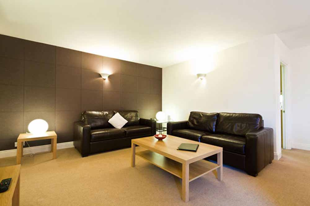 Superior One Bedroom Apartment - Living Area