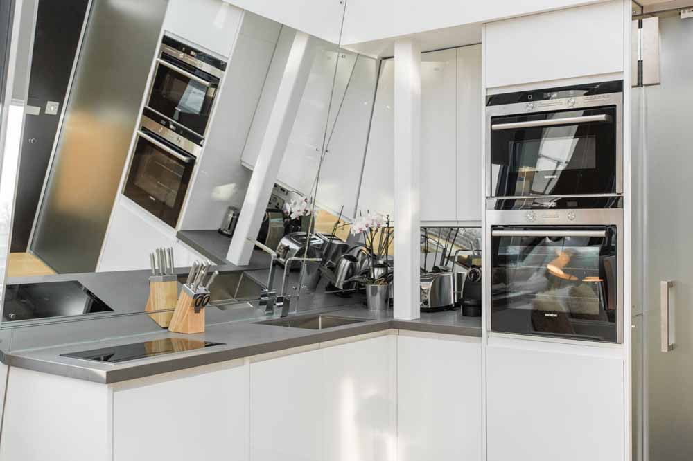 Studio Penthouse Apartment - Kitchen
