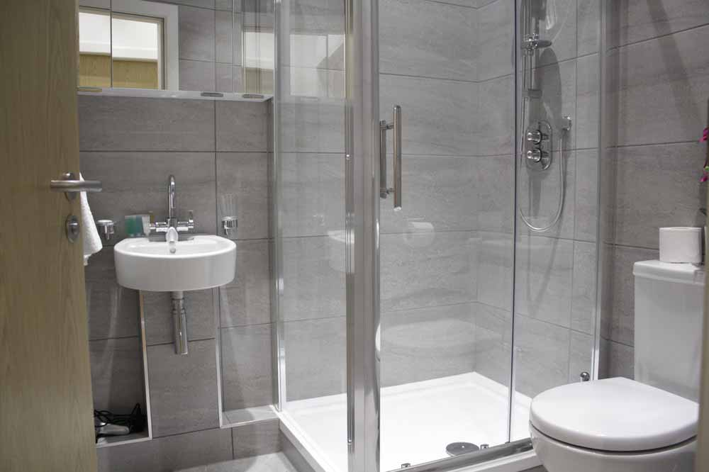 Shard View Apartments - Bathroom