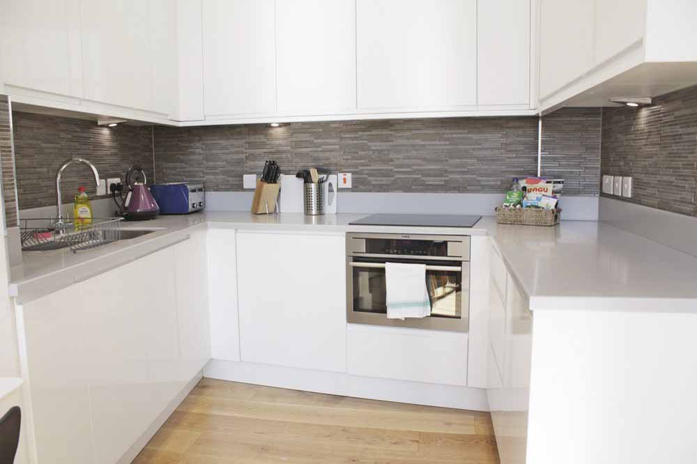 Shard View Apartments - Kitchen