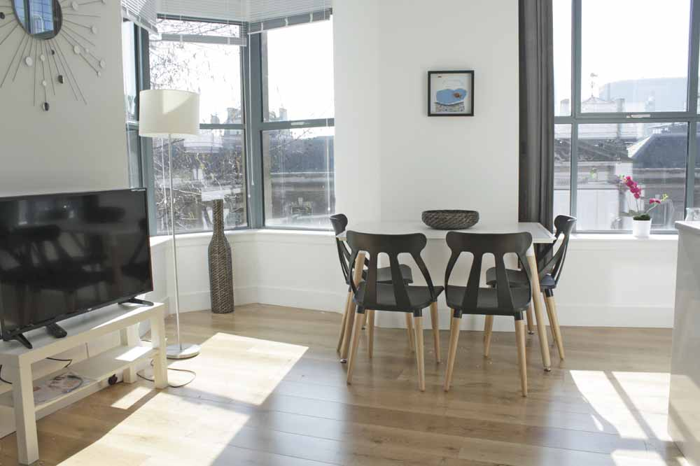 Shard View Apartments - Dining Area