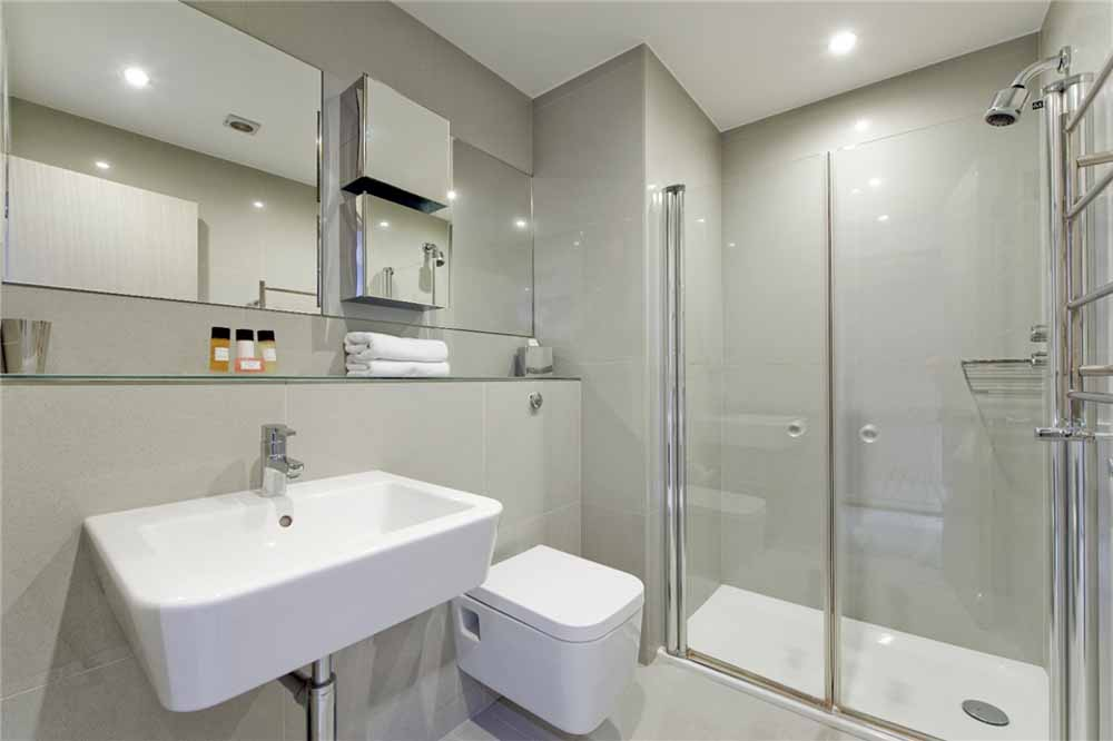 Studio Apartment -Bathroom