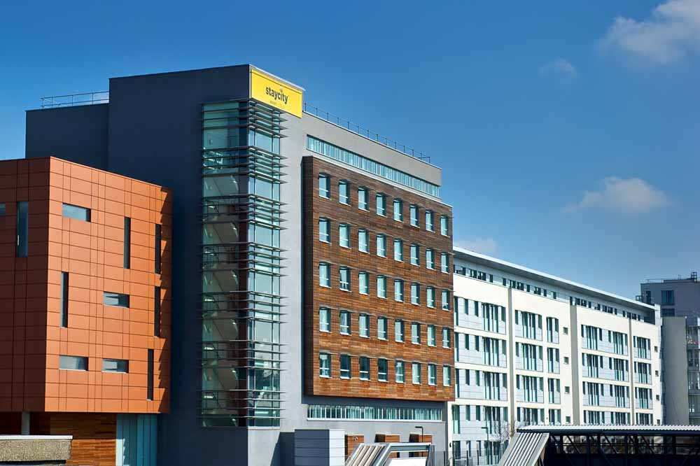 Staycity Aparthotels London Heathrow - Building