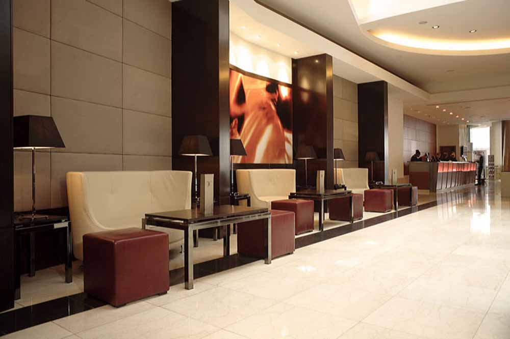 Park Plaza Victoria - Reception and Lobby