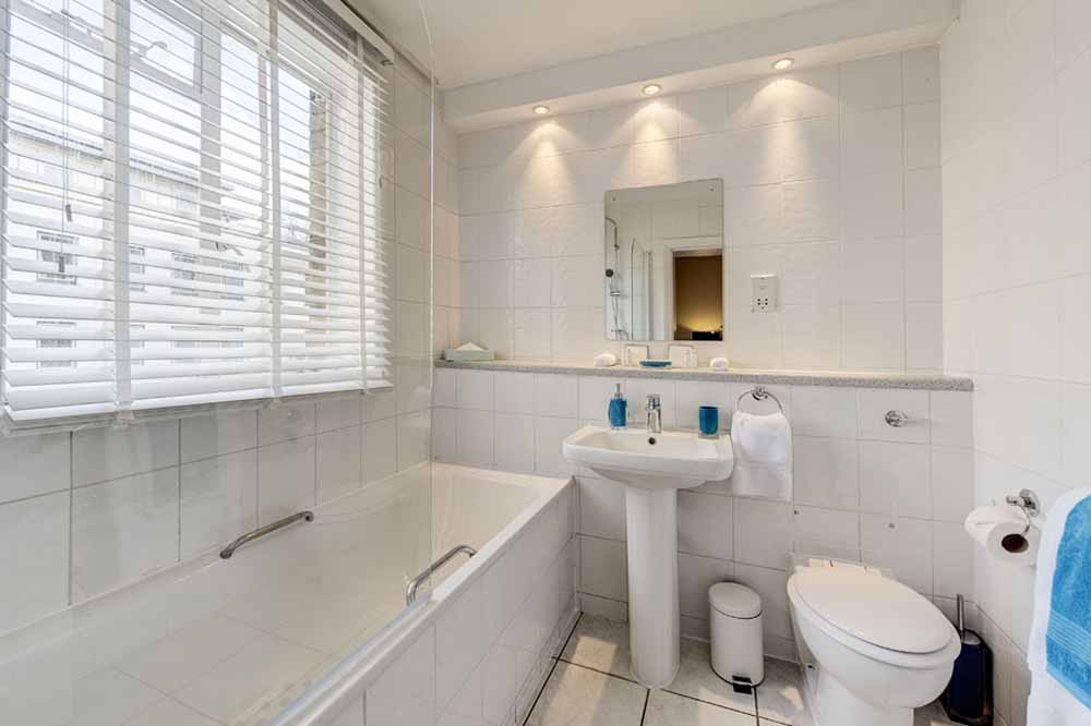 One and Two Bedroom Apartment - Bathroom