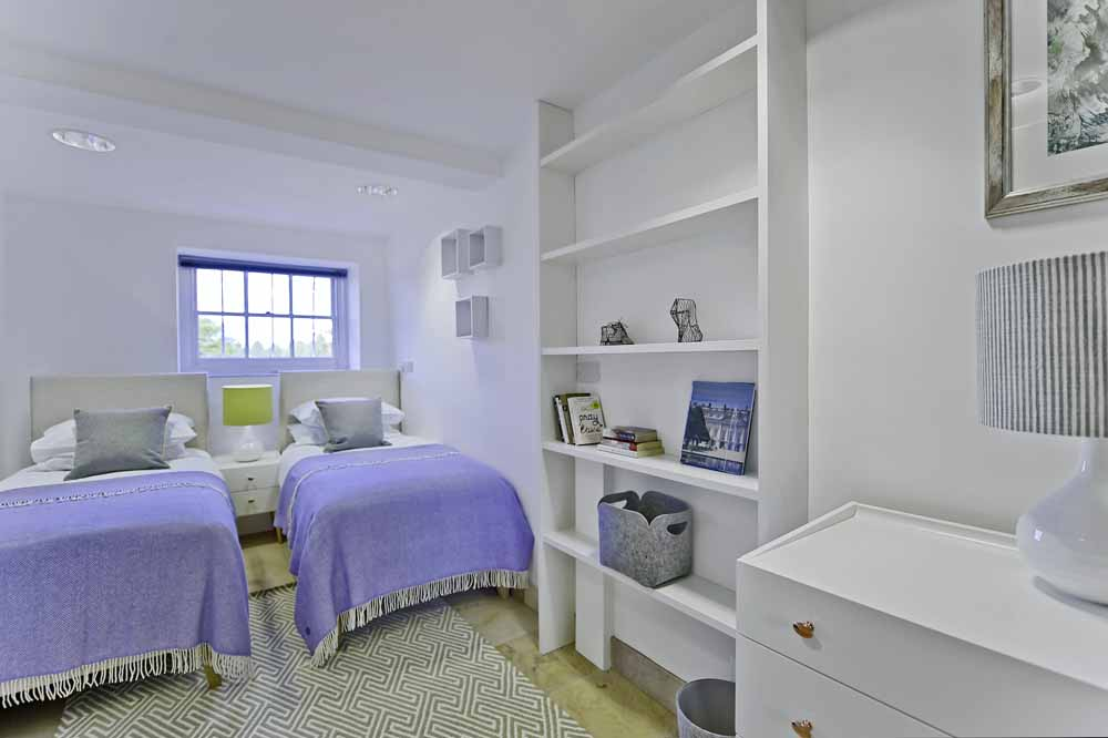 Lower Garden Suite Two Bedroom Apartment - Twin Bedroom