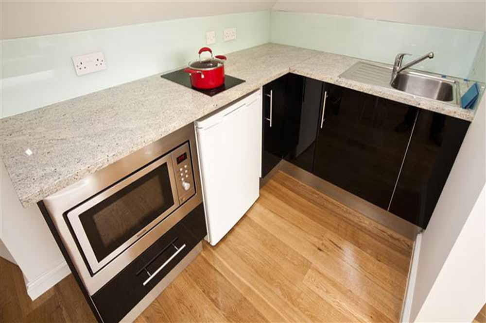 One Bedroom Apartment -Kitchenette
