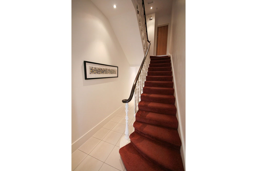 Princes Square Apartments C - Staircase