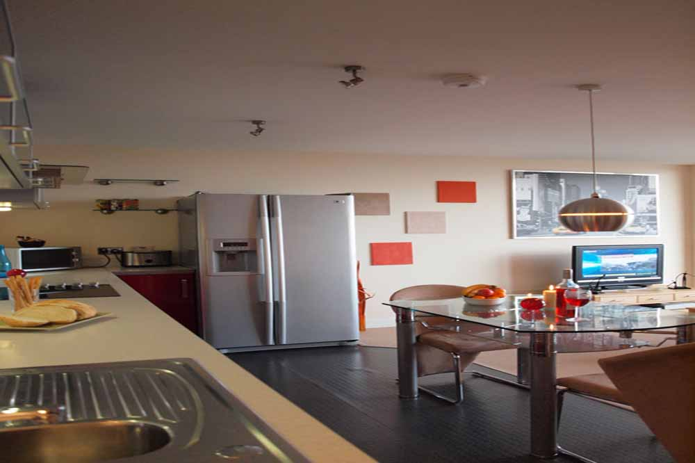 One Bedroom Penthouse Apartment - Kitchen and Dining Area
