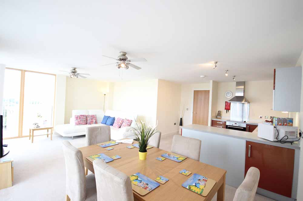 Three Bedroom Deluxe Apartment - Dining Area