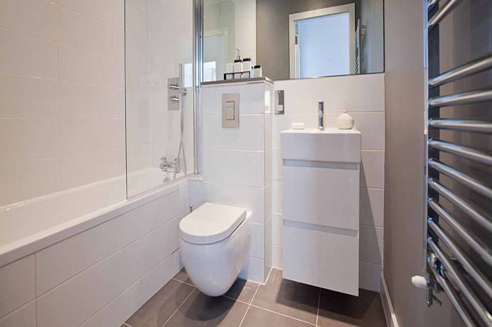 Whites Row Apartments - Bathroom