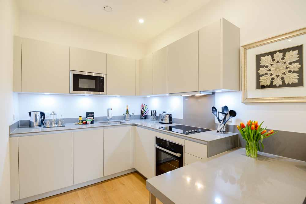 Deluxe Boutique One Bedroom Apartment - Kitchen