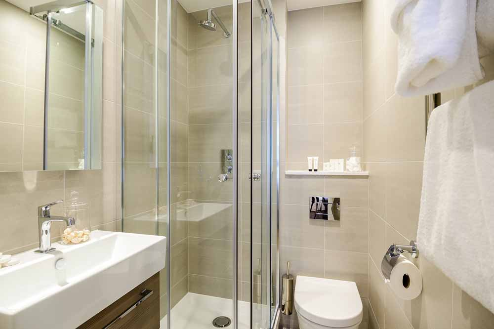 Two Bedroom Two Bathrooms Apartment - En-suite  Bathroom