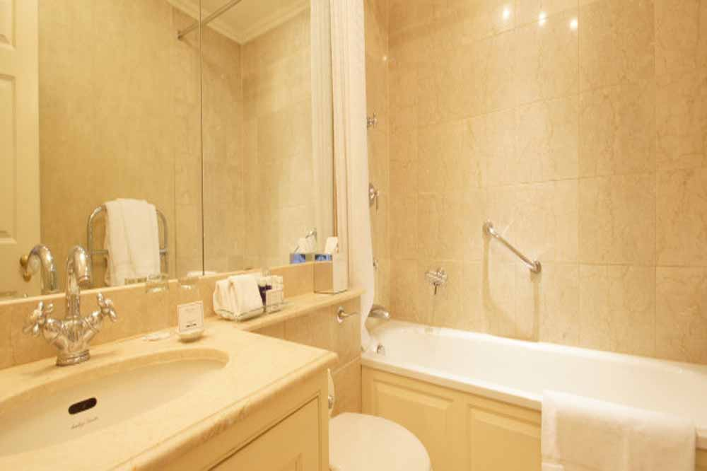 Classic One Bedroom Apartment - Bathroom