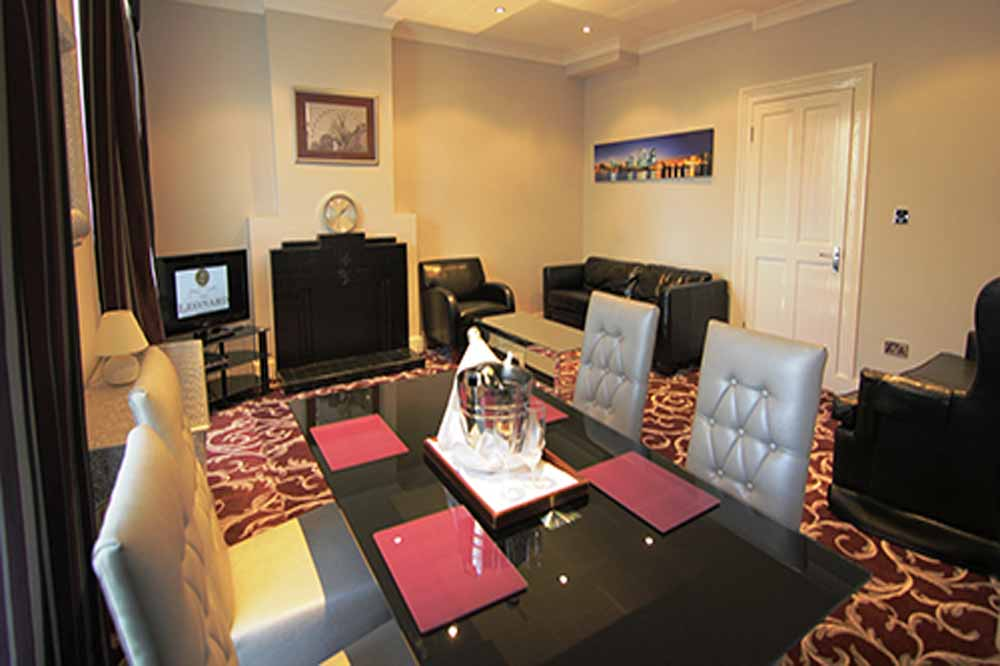 Deluxe Two Bedroom Apartment - Dining Area