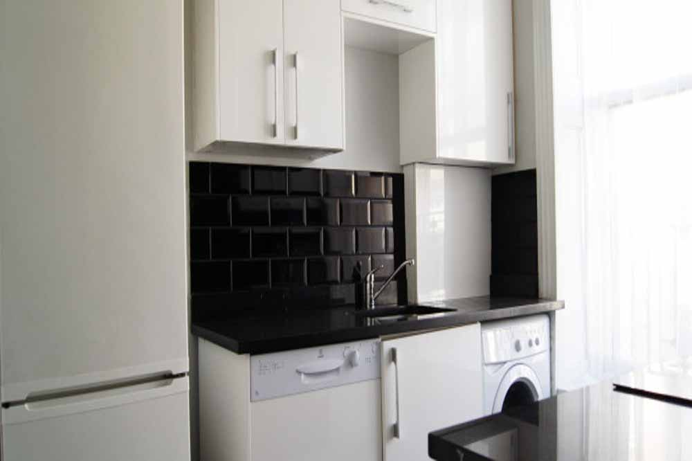 Deluxe Two Bedroom Apartment - Kitchenette